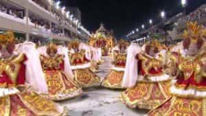 Porto da Pedra 300x169 - Porto da Pedra transformou a passarela do samba em um desfile de moda